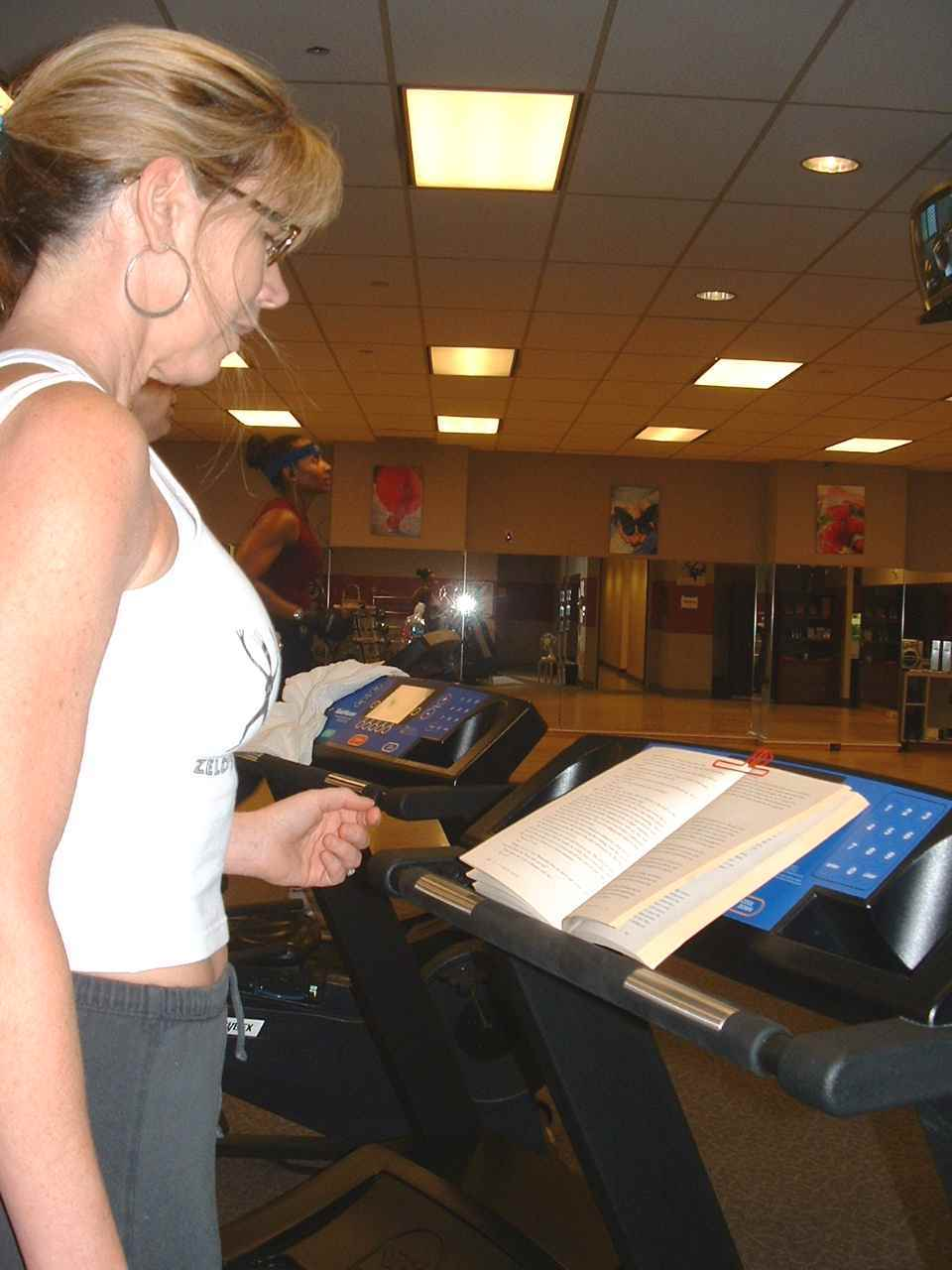 Clipped book on treadmill - Sonya